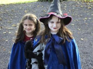 2 Ravenclaw students aka da cousins